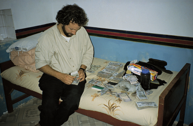 95 A 22 24 1995 TG Ian Counting Money when Monk Porters Arrested
