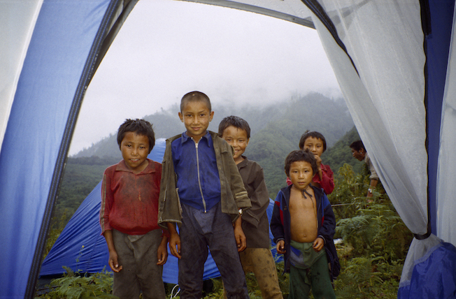 95 B 39 28a 1995 Deformed Kids Looking in Tent Chimdro
