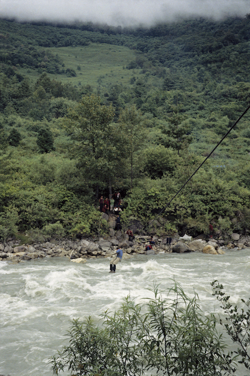 95 B 44 4 1995 TG Cable Crossing Chimdro River
