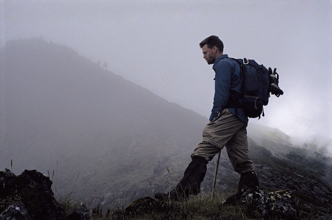 95 B 61 74 1995 TG Todd on Ridge w Porters above in Mist