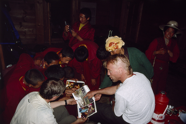 97 A 5 146 1997 Gil in Bhaka Showing Photos to Monks
